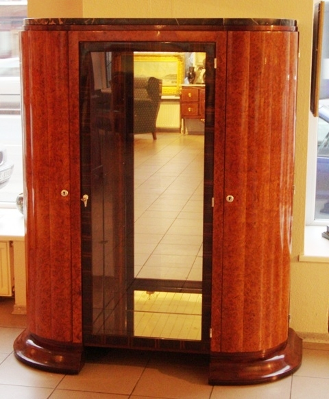 Vitrine art deco showcases classic art gallery antonija for Decoration vitrine